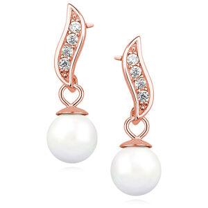 OLIVIE Strieborné perlové náušnice ROSE 3588 Ag 925; ≤1,9 g.